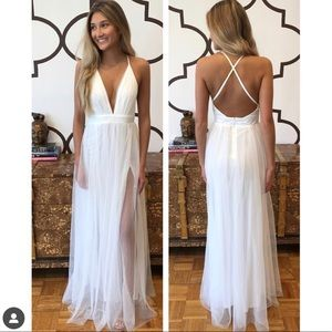 Dresses & Skirts - White maxi dress